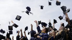 Photo credit: https://qz.com/985354/the-best-advice-for-new-college-graduates/